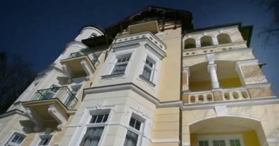 Villa Regent ***